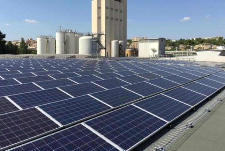Parte il bonus energetico, ora si può  produrre e consumare  l'energia prodotta con i pannelli fotovoltaici sui condomini